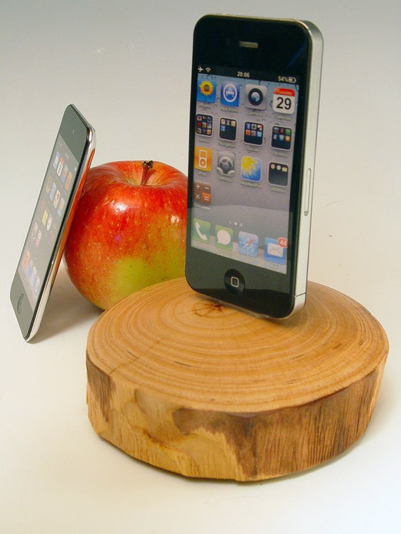iPhone dock. iPod dock. Reclaimed tree slice. Smoothly finished end grain. Live edge. Simple ... natural ... beautiful. FAST shipping. 182