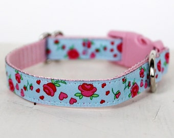 Blue Rosebud Dog Collar, 1/2 inch width, Cat and Teacup Dog Collar, Puppy Dog Collar