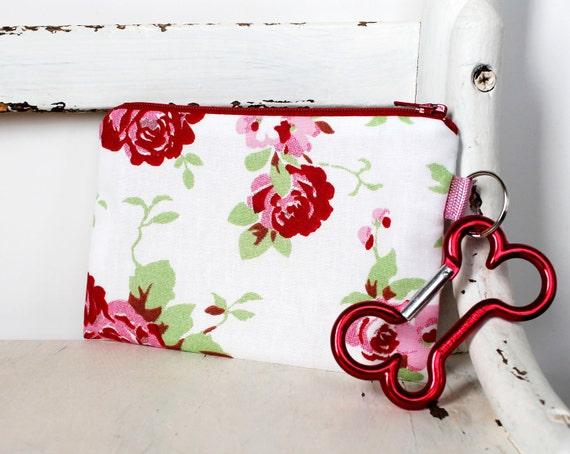 Pet Mess Clean Up Bag / Shabby Chic Roses fabric from Germany / Pet Leash Purse