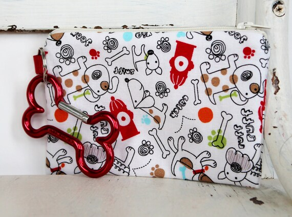Pet Mess Clean Up Bag / Dogs and Fire Hydrants (white zipper) fabric  / Pet Leash Purse