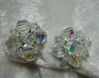 Vintage Laguna faceted glass bead clip on earrings   E211