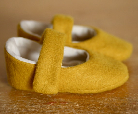 Simple Little Yellow Wool Mary Jane Baby Booties