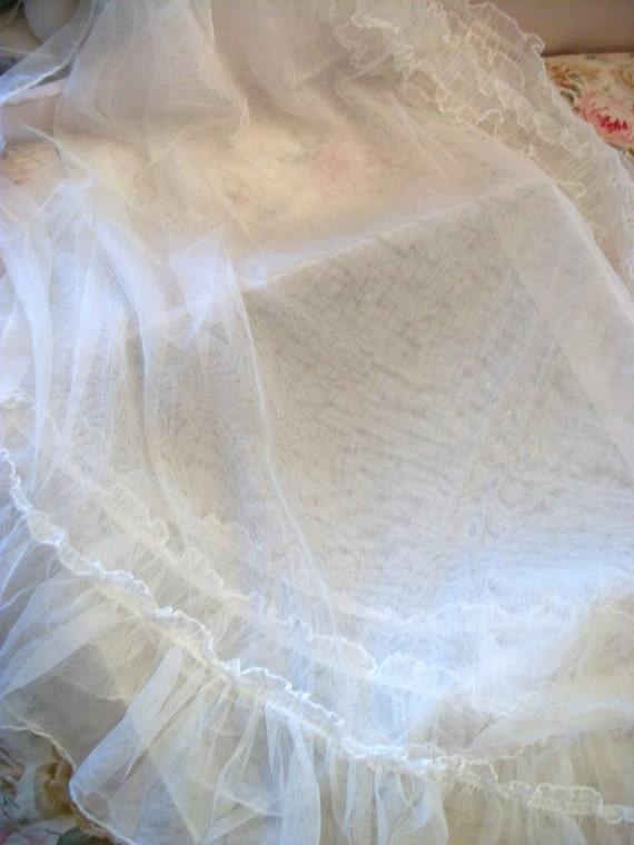 Sheer Bliss..Vintage PRISCILLA White Feminine Curtains