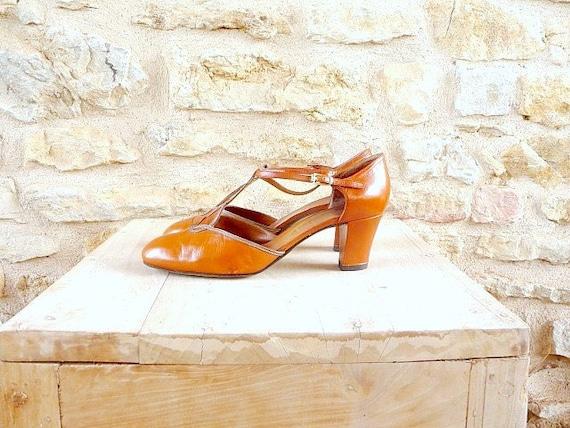 Vintage 1980s SALOMES Brown Camel Leather Heels