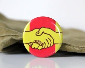 Cool USSR pin with a designs of handshake, made in Soviet Union 70s