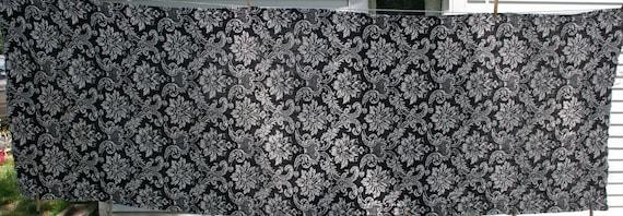 vintage damask print linen