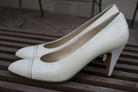 Reserved - Vintage Cream and Gold Pumps by Bally Size 8