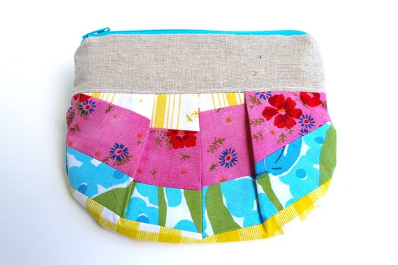 Vintage Zippered Pleated Pouches - Layout Love