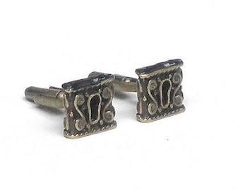 Keyhole Cufflinks
