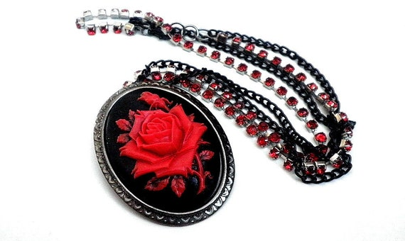 Rose Cameo Brooch Necklace
