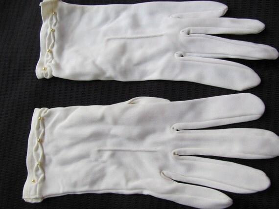 Vintage White Wrist Gloves By Kayser