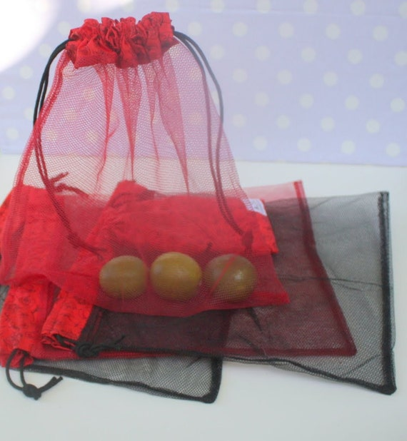 Set of 4 REUSABLE PRODUCE BAGS with Storage Pouch eat your veggies