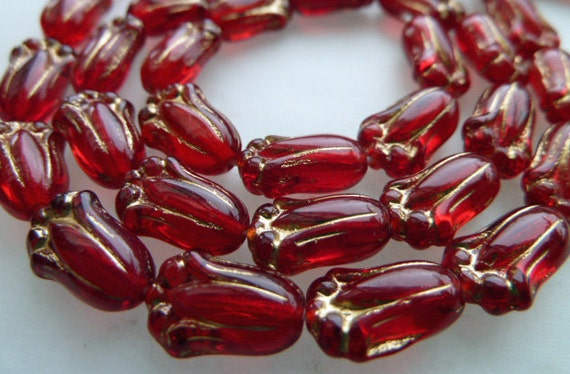 25 Czech Glass Tulips in Transparent Red with Gold Inlay  8x12mm