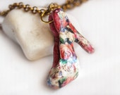 Floral shoe pendant