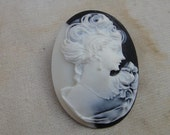 Black  cameo buckles  pin  1 pieces listing