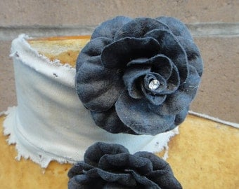 Cute   velvet flower   grey   color  with  pin back    2  piece listing