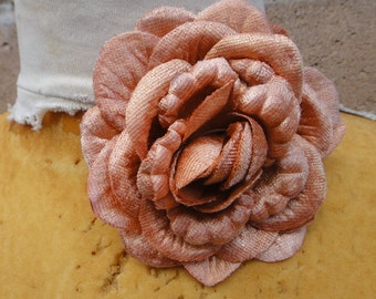 Cute  velvet    flower  orange  color  with back pin  1 piece listing