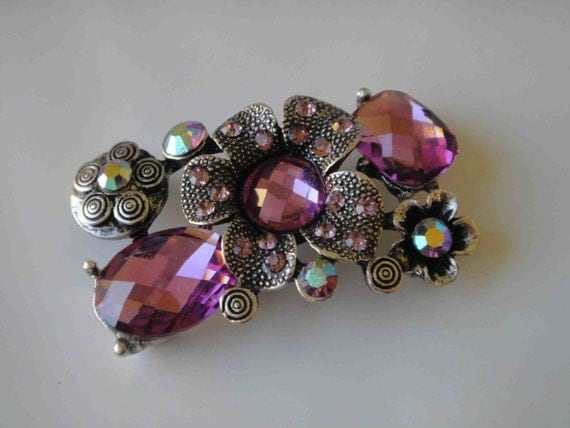 Cute  buckle with rhinestones silver color with pink color rhinestones 1 pieces listing