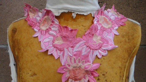 Cute embroidered applique  with flowers   big size 1 pieces listing