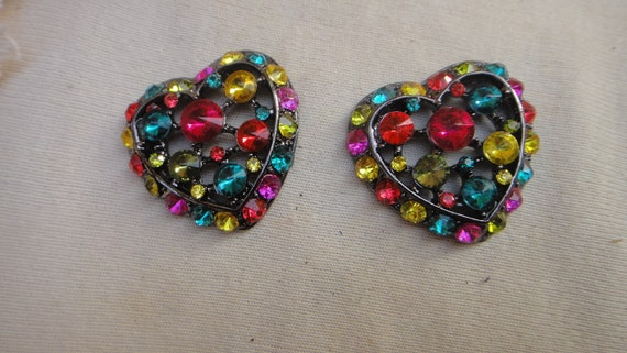 Cute hart buckles with rhinestones    2  pieces  listing