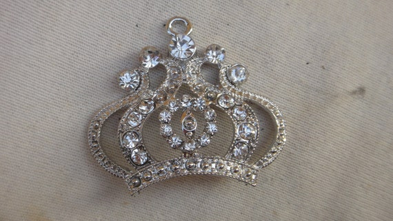 Cute silver crown buckle with   rhinestones 1  pieces listing