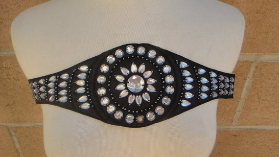 Cute embroidered  and beaded    applique  black   color  pieces listing