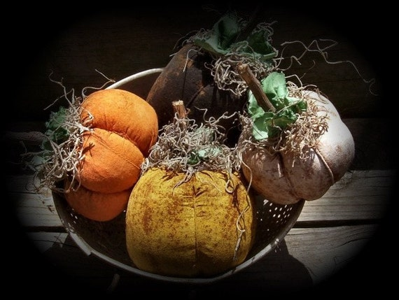 Primitive Fall Colored Pumpkins Ornies