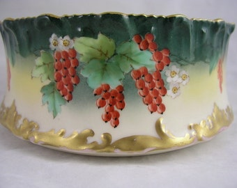 Tressemanes Vogt TV Limoges Pudding Bowl Hand painted by Roby - Free USA Shipping