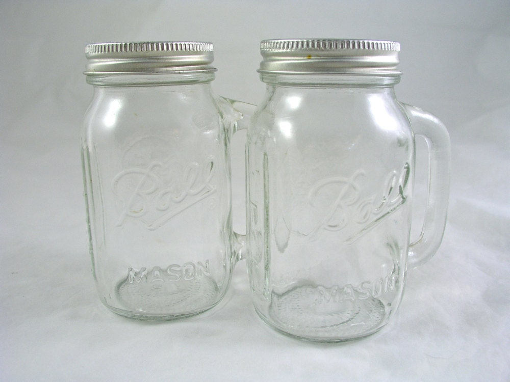 Vintage Ball Mason Jar Salt Pepper Shakers With Handles