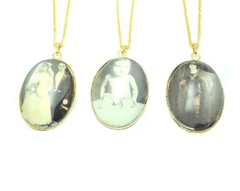 Gold Vintage Photo Necklace, Antique Jewelry, Fashion Jewelry, Statement Necklace, Costume Jewelry, Steampunk Jewelry