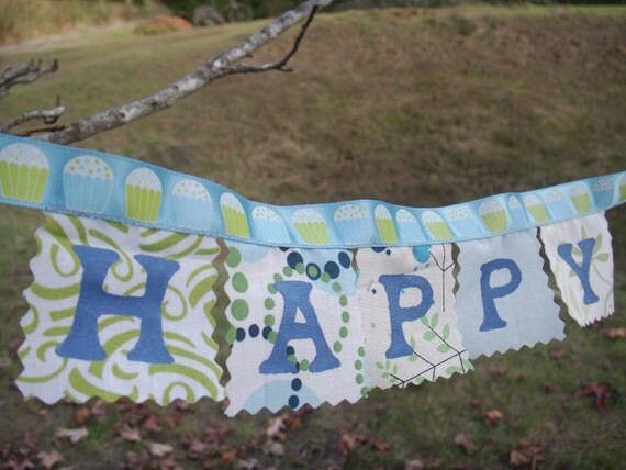 Happy Birthday mini banner blue green cupcakes