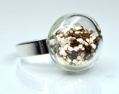 Golden color big glitter in round blown glass silver tone Ring