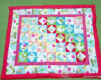 Quilts / Baby Bedding / Baby Quilts / Baby Comforter / Modern Quilt / Handmade Quilt ** Hot Pink and White Circus Animals **