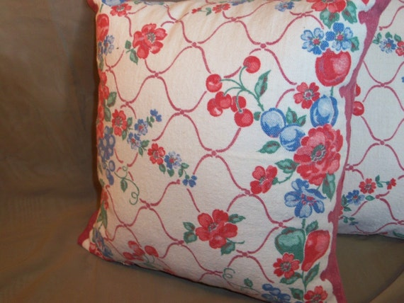 pair(2) of repurposed vintage floral linen towel pillow cover
