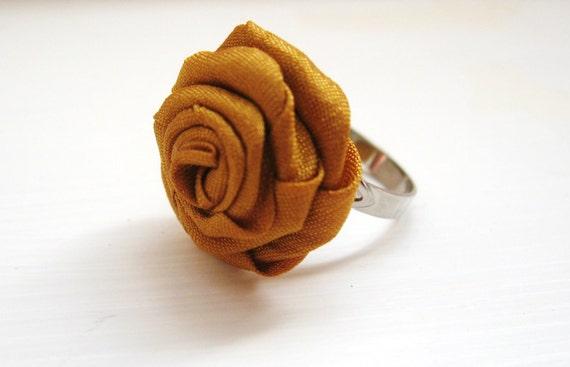 Golden saffron - mini rosette adjustable silver ring