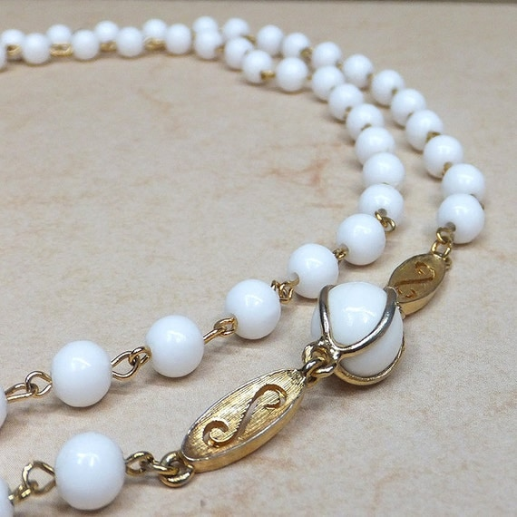Vintage 1970 Milk Glass beads with gold links and accents