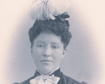 Woman With UNIQUE FEATHER HAT Cabinet Card Photo circa 1890