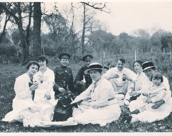 WELL DRESSED Young Couples Enjoying PICNIC Photo Postcard Circa 1915