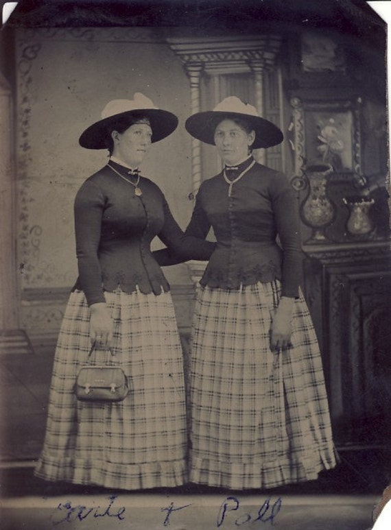 SISTERS Earte and Poll Wear IDENTICAL DRESSES and Hats Tintype Photo Circa 1880