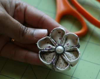Super Easy - Kanzashi Flower - Handmade Flower- How To - DIY - PDF Pattern - E-Book