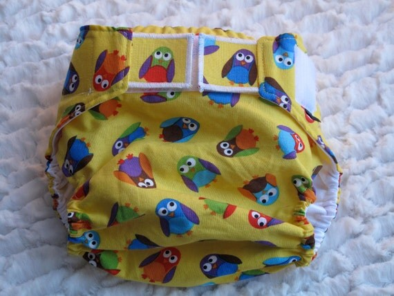 Diaper cover/ waterproof wrap. Yellow Owls. Size Large. 25-35 pounds