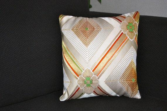 "P219WH Elegant Diamond Pattern Silk Pillow 12"" x 12"""
