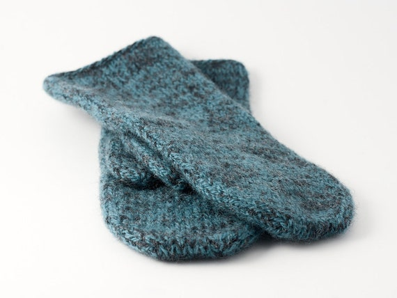 Felted mittens in teal
