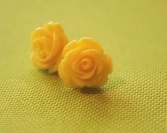 Soft yellow rose flower earring studs
