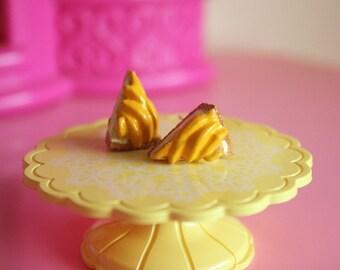 Mango pie stud earrings