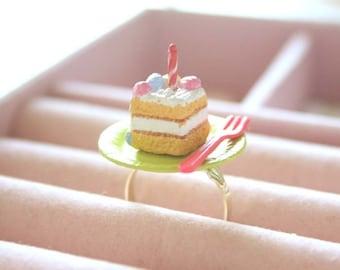 Birthday cake ring