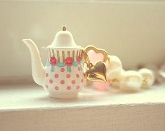 Marie Antoinette teapot necklace