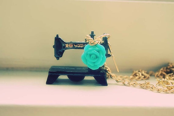Mad Hatter old fashion sewing machine necklace