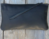 The Xlg Zipper Pouch in Black