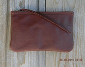 The Medium Zipper Pouch in Med Brown/Mahogany